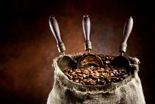 Free Sack Of Coffee Beans And Scoop. Stock Photos - 18327033