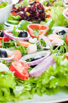 Free Fresh Salad Royalty Free Stock Images - 18328289