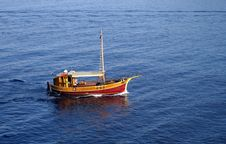 Free Boat In The Sea Royalty Free Stock Photography - 18329017