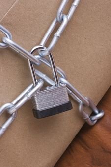 Free Lock And Chain Stock Photos - 18332103