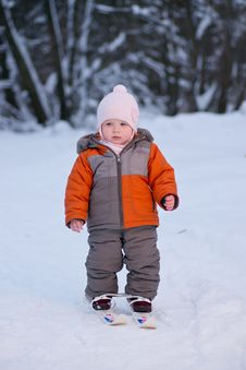 Free Adorable Baby Walk On Ski In Park Royalty Free Stock Photography - 18333747