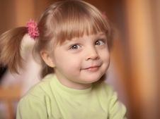 Free Little Girl Royalty Free Stock Photo - 18337505