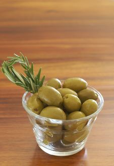 Free Jar Of Green Olives And Rosemary Royalty Free Stock Images - 18348149