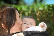Free Mother Embracing Her Daughter Stock Photography - 18348172