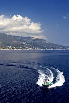 Free Ship Wake, Corsica Stock Photos - 18349273