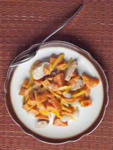 Free Chicken Sweet Potato And Pearl Onion Dinner Stock Photography - 18350602