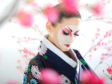 Free Japan Geisha Woman With Creative Make-up Stock Photo - 18351130