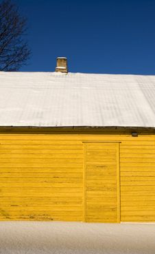 Free Yellow Winter House Stock Image - 18351961