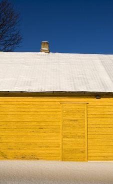 Free Yellow Winter House Stock Image - 18351961