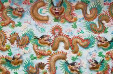 Free Chinese Dragon In Shrine Royalty Free Stock Photos - 18352218