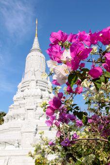 Free Phnom Penh - HM King Ang Doung Stupa Stock Images - 18352924
