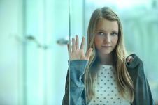 Free Portrait Of  Young Girl Royalty Free Stock Photos - 18352938