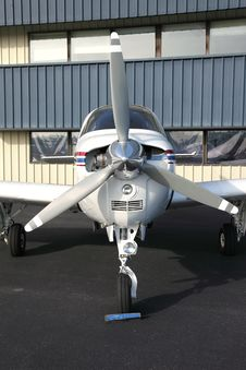 Free Single Engine Aircraft. Stock Photography - 18354212