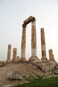 Free Roman Ruins At Sunset Royalty Free Stock Image - 18354836
