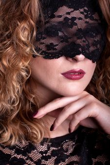 Free Beautiful Woman With Lace Mask Stock Image - 18355561