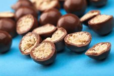 Free Chocolate Balls And Halves With Crisp Filling Stock Images - 18360224
