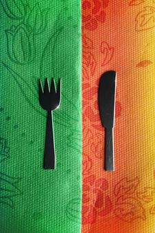 Free Knife And Fork On Green And Red Royalty Free Stock Photos - 18360268