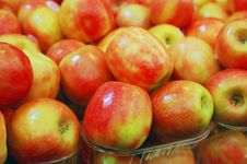Free Close Up Of Apples Royalty Free Stock Photos - 18362778