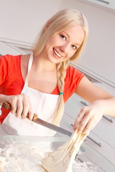 Free Woman Baking Stock Photo - 18368440