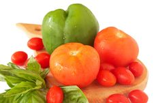 Free Fresh Tomatoes, Pepper And Basil Royalty Free Stock Image - 18368726