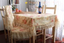 Free Dining Table Stock Photos - 18373133