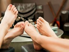 Free Feet Fireplace Female Royalty Free Stock Image - 18375626