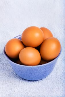 Free Fresh Brown Eggs Royalty Free Stock Image - 18375966
