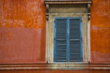 Free Old Italian Window Royalty Free Stock Photography - 18376047
