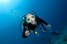 Scuba Diver On Coral Reef Royalty Free Stock Images