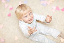 Free Sweet Little Boy Sitting On The Floor Royalty Free Stock Photo - 18378775