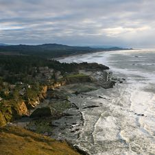 Free Surf Of Pacific West Coast Royalty Free Stock Photos - 18387118