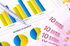 Free Financial Analysis With Charts Royalty Free Stock Images - 18388589