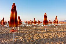 Free Chairs And Umbrellas On The Beach Stock Photography - 18391732