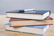 Free Pen With Books Royalty Free Stock Photo - 18392805