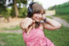 Teenage Girl  To Point The Finger Royalty Free Stock Images
