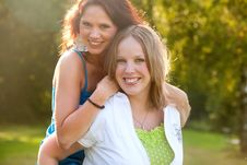 Free Happy Sisters Stock Photography - 18393152