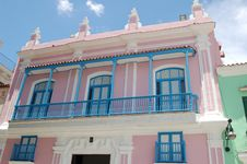 Free Pink House Royalty Free Stock Images - 18395599