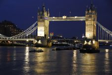 Free Tower Bridge Royalty Free Stock Photos - 18395708