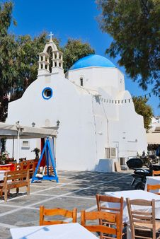 Free Mykonos Blue Church Royalty Free Stock Photography - 18398427