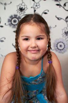 Free Smiling Little Girl Stock Image - 18398441