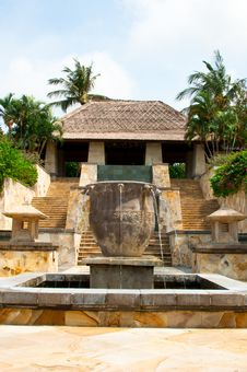 Free Outdoor Balinese Fountain Stock Photo - 18398520