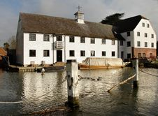 Free Riverside Mill House Royalty Free Stock Image - 1842766