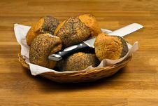 Free Fresh Bread Rolls In Basket Stock Photography - 18401232