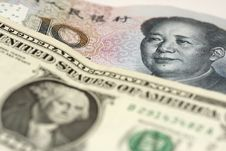 Free Currency Wars Royalty Free Stock Photos - 18402888
