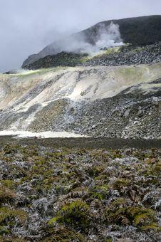 Free Galapagos Sulfur Volcano Royalty Free Stock Photo - 18407705