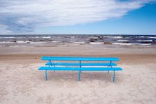 Free Blue Bench On The Beach Stock Photo - 18412300