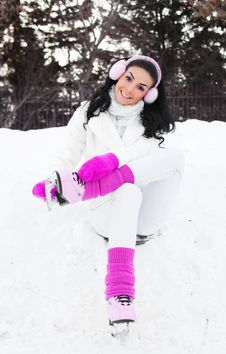 Free Girl Ice Skating Stock Photography - 18413342