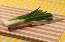 Free Green Onion And Knife Royalty Free Stock Photo - 18422615