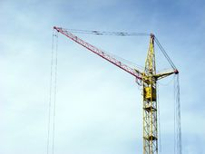Free Lifting Crane Royalty Free Stock Image - 18425326