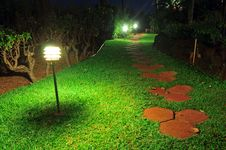 Free Walkway Stones On A Grass Pathway Royalty Free Stock Photography - 18432327